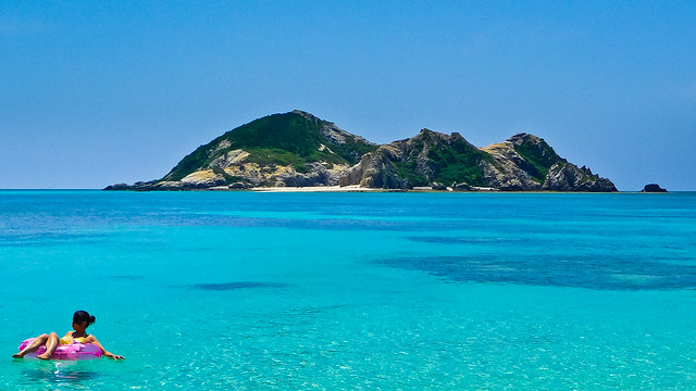 Kerama Island off Okinawa by CC user stephen-oung on Flickr