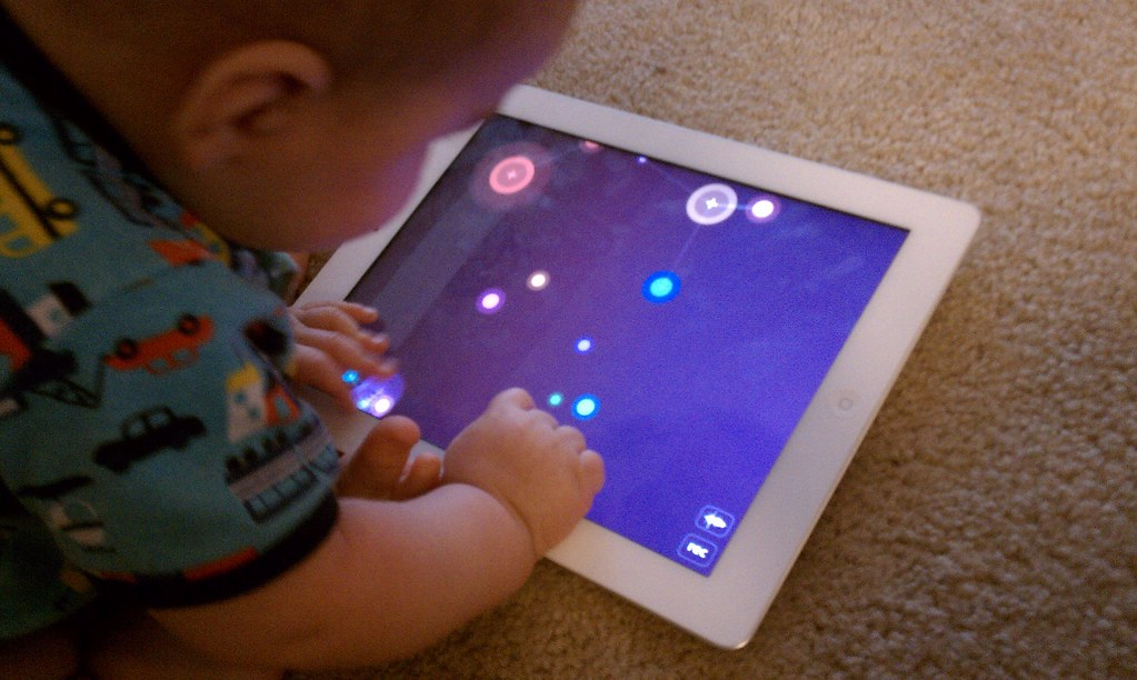 Baby loves iPad2 - NodeBeat
