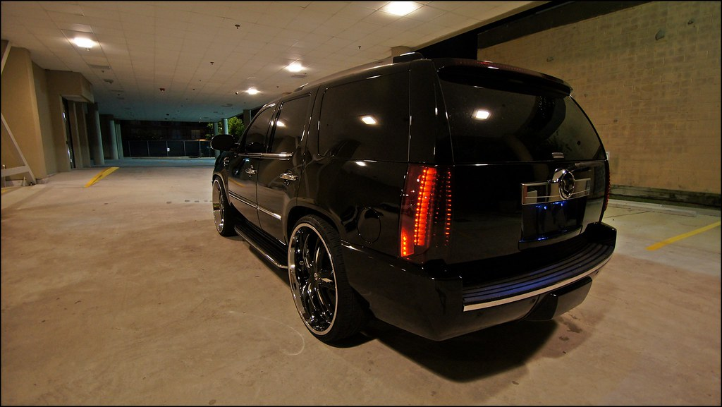 new to me lowered escalade