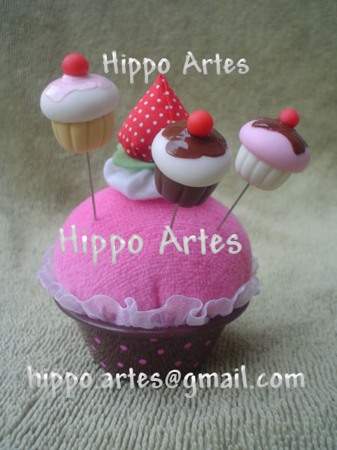 ALFINETES DECORADOS CUPCAKES EM BISCUIT - Sewing Pin Topper