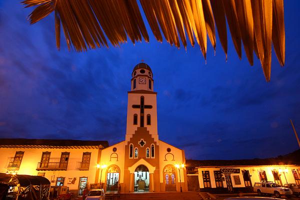 Imagen de la Plaza Bolívar de Salento y su Iglesia Principal - Los 10 mejores lugares turísticos del Quindio