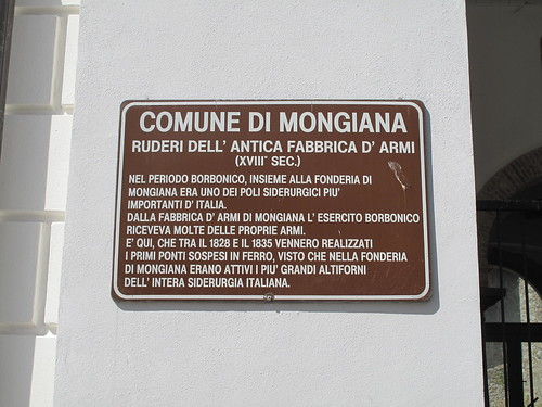 Mongiana. Fabbrica d'armi borbonica. Targa commemorativa.
