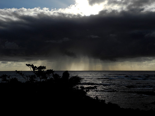 hawaii_kapoho_morning_rain_over_ocean