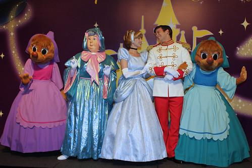 Meeting Cinderella, Prince Charming, the Fairy Godmother, Suzy and Perla