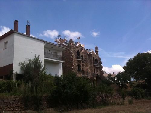 Homenaje a Gaudí en Rillo de Gallo, Guadalajara