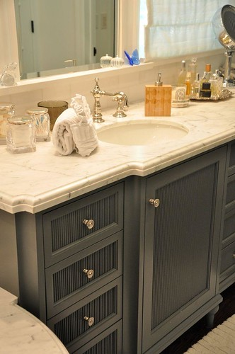 Trends overmount bath sinks the estate of things for Benjamin moore grey bathroom