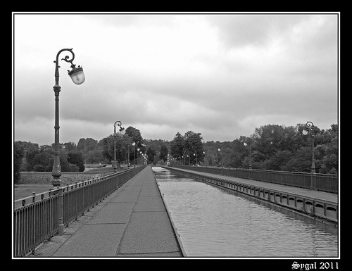 J3 - BRIARD - LE PONT CANAL 10-border
