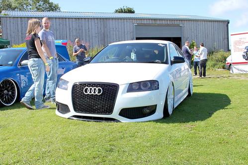Allwhite Audi