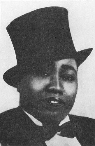Gladys Bentley with her not-highest-hat