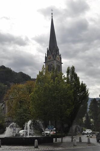 Iglesia en la avenida principal de Vaduz Liechtenstein, el pequeño país de los alpes - 6116371147 e3267b376b - Liechtenstein, el pequeño país de los alpes