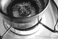 food(0.0), boiling(1.0), cookware and bakeware(1.0), black-and-white(1.0),