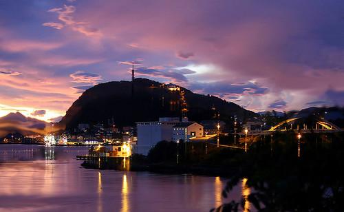 longexposure sunrise dawn earlymorning scenic peaceful handheld ålesund aalesund larigan valderøyfjord phamilton licensedwithgettyimages shouldhaveusedtripod