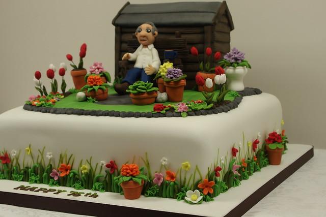 Garden cake side detail flickr photo sharing for Gardening 80th birthday cake