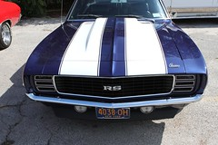 automobile, automotive exterior, vehicle, bumper, antique car, land vehicle, chevrolet camaro, muscle car,