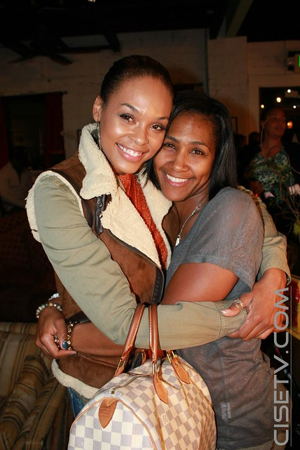 demetria dyan mckinney dating 04012015 the real blow out came when one of kandi's friends revealed she had a relationship with roger bob while he was dating demetria mckinney.