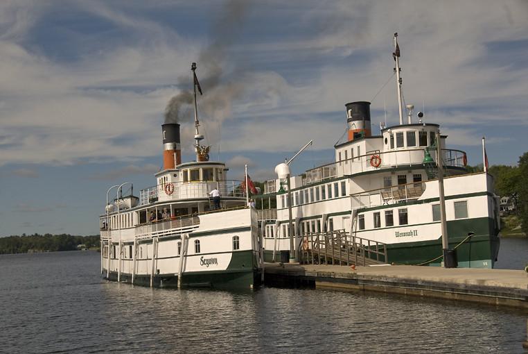 Muskoka steam boats