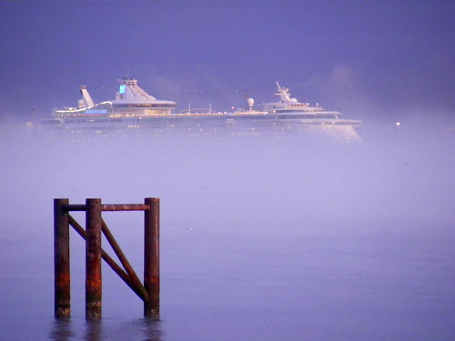 fog sunrise pier hythe southamptonwater independenceoftheseas