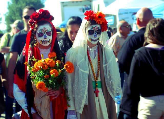 Day of the Dead, girls celebrate