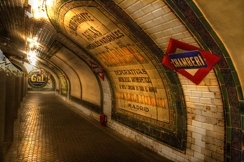 Estacion Metro-Chamberi...otro bello rincón by chucafox