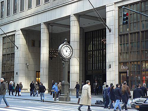 Horlaoge Morgan Stanley.jpg