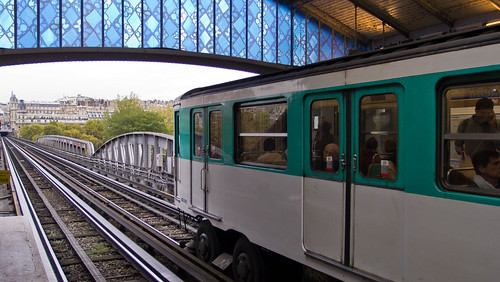 Paris Metro Bir-Hakeim Station