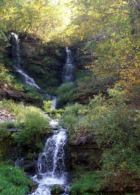 Dogwood canyon bike ride october 2011 1 thunder falls for Dogwood canyon