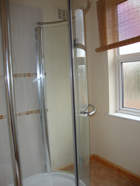 24 whitecross shower