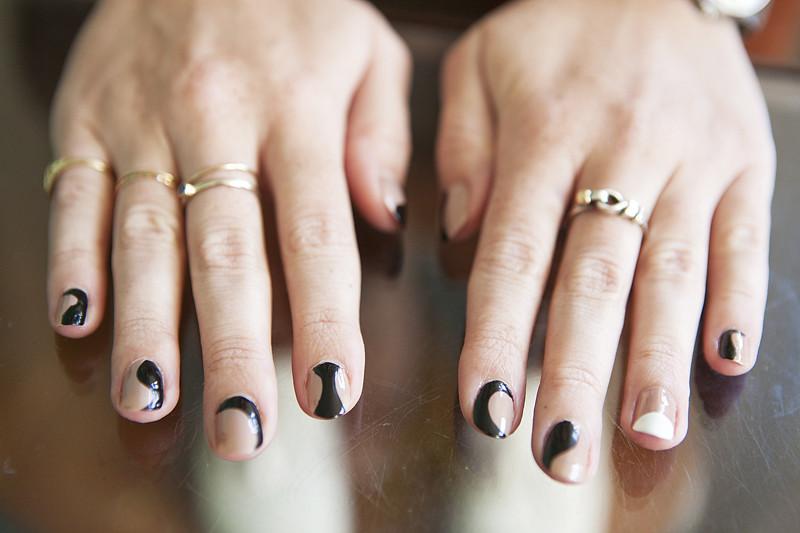 moveSlightly: Stella McCartney Fall 2011-Inspired Nails