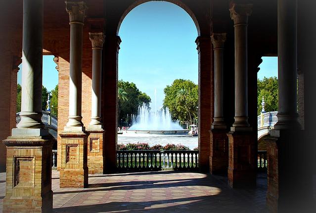 Fuente y Columnas Plaza de España Sevilla