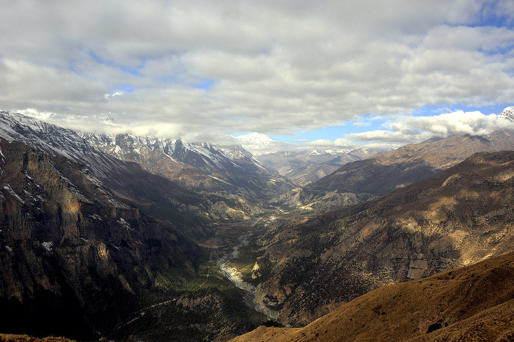 Manang Valley from Pisang Base Camp (4400 m)