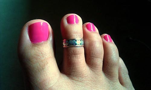 bubble gum toes