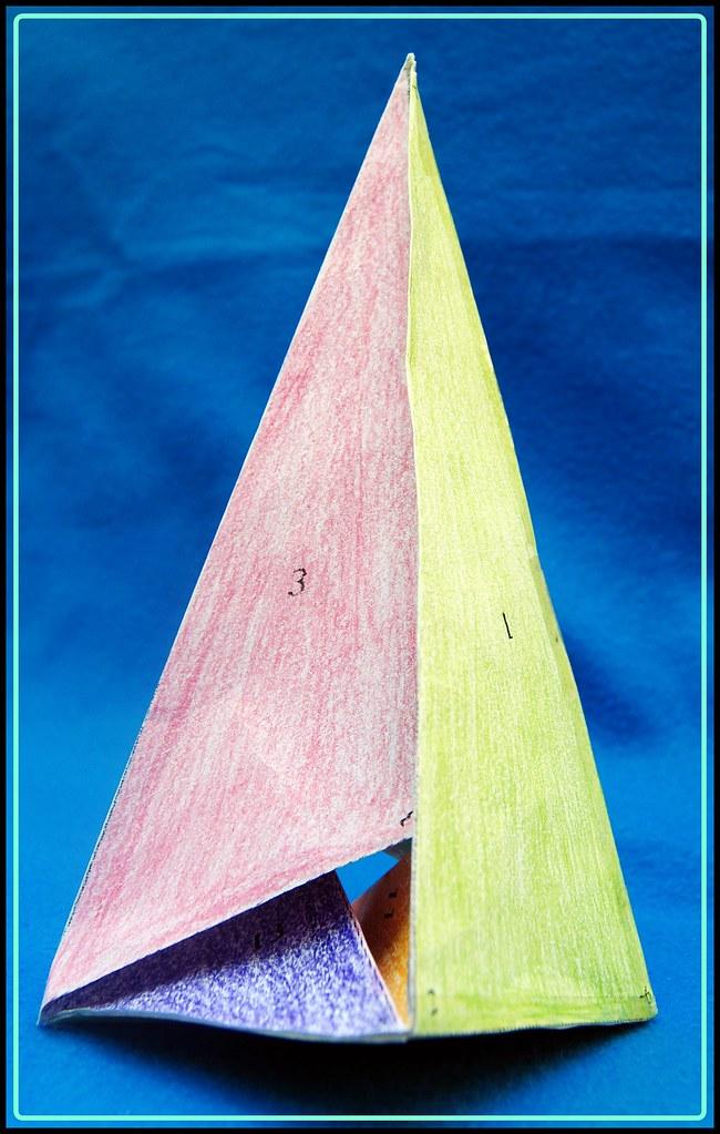 """Cómo """"tetraizar"""" el poliedro de Császár"""