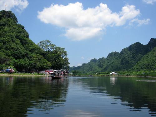 Yen Vi River