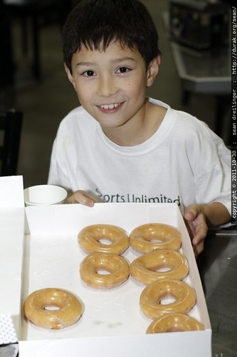 ben, when he thought he could stop at just 5 doughnuts    MG 7751