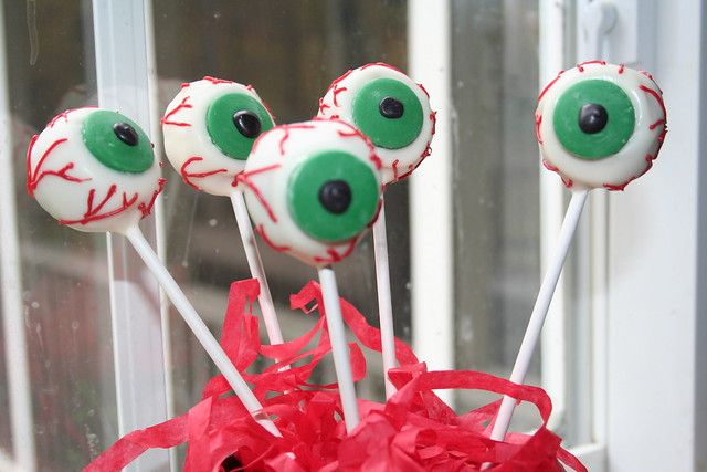 Bakerella Eyeball Cake Pops