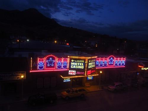 sign night hotel neon nevada roadtrip ely neonsign hotelnevada jailhousemotelcasino