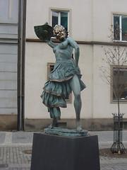 Praha statue 2000