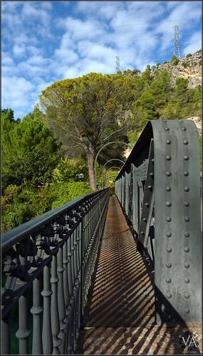 Metallic bridge at Salto de Bolarque (Guadalajara, Spain) / Puente metalico en el Salto de Bolarque (Guadalajara)