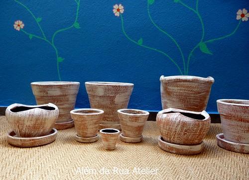 Vasos de cerâmica pintados à mão