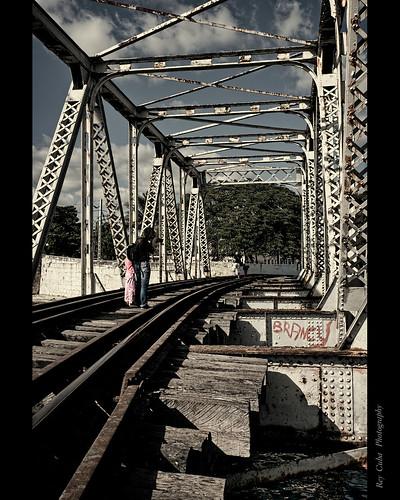 Puenteovejuna by Rey Cuba