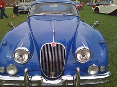 daimler 250(0.0), jaguar mark ix(0.0), bmw 501(0.0), sports car(0.0), automobile(1.0), automotive exterior(1.0), jaguar xk120(1.0), jaguar xk140(1.0), jaguar mark 2(1.0), vehicle(1.0), automotive design(1.0), jaguar mark 1(1.0), mitsuoka viewt(1.0), jaguar xk150(1.0), antique car(1.0), vintage car(1.0), land vehicle(1.0), luxury vehicle(1.0), jaguar s-type(1.0),