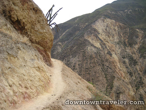 hiking colca canyon peru 19