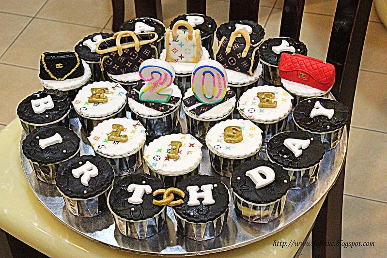LV BAG CUP CAKE 2