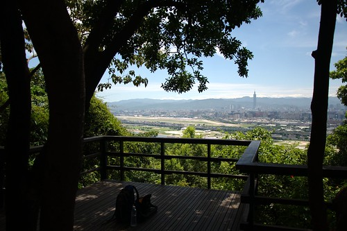 劍潭山上看台北市