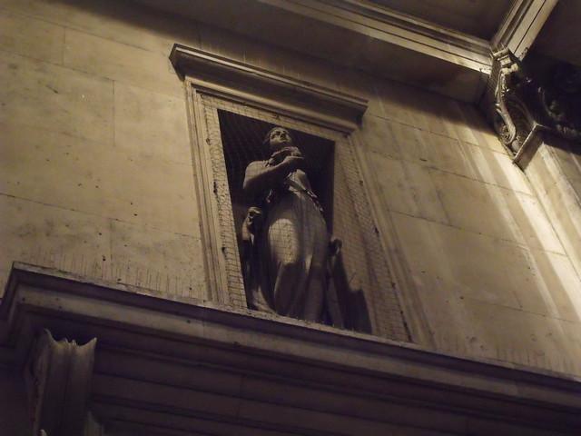 The National Gallery - Trafalgar Square, London - statues ...