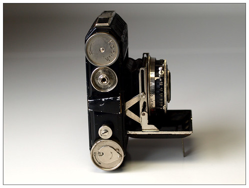 Kodak Retina type 117 unfolded - side view