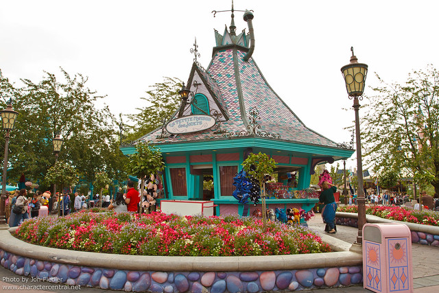 DLP Aug 2011 - Wandering through Fantasyland