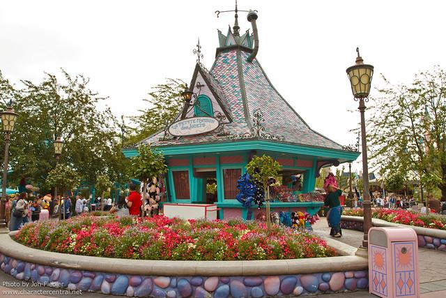 DLP Aug 2011 - Wandering through Fantasyland