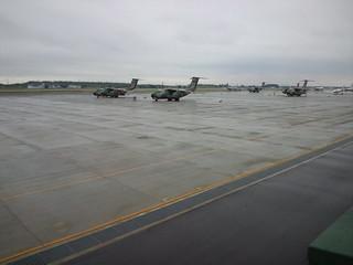 入間基地より自衛隊C-1 輸送機で硫黄島へ。