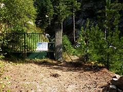 Sentier Fumicosa/Samulaghja : Captage d'Argazavu (interdit, mais le sentier passe en plein milieu !!)
